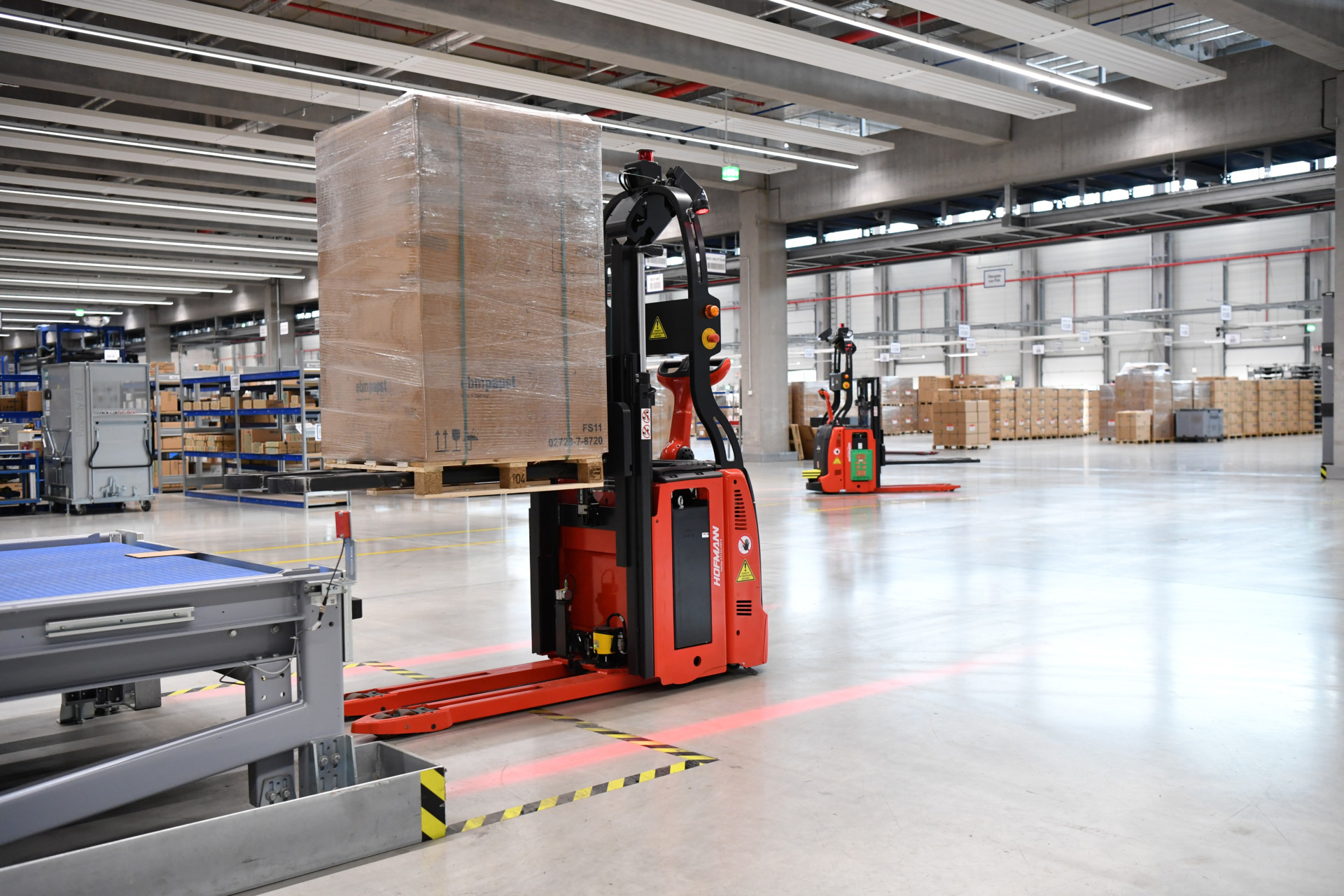AGV Automated Guided Vehicle